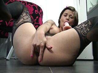 Vic Alouqua - Play With My Ass